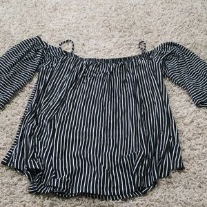 Like new off the shoulder blouse